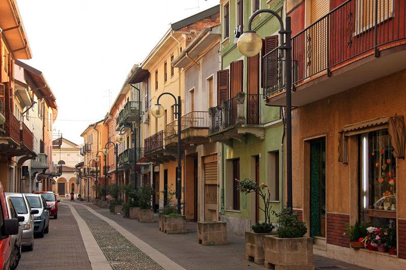 File:Romentino veduta2.jpg