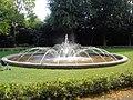 Rostock Rosengarten Brunnen.jpg