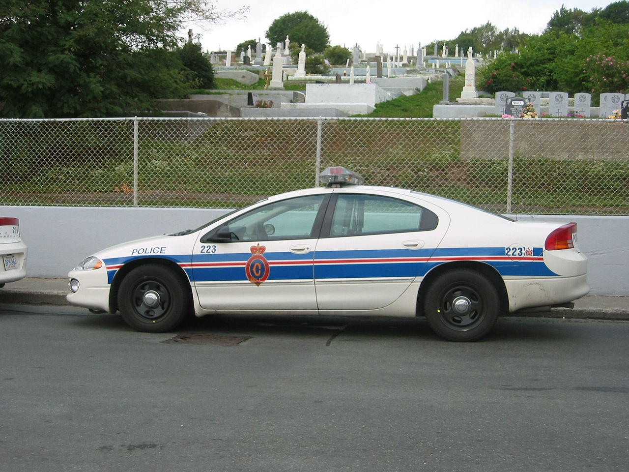 File Royal Newfoundland Conulatory Dodge Intrepid Police Car Jpg