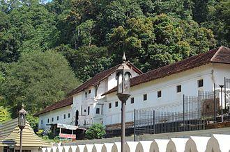 Temple of the Tooth - Vimaladharmasuriya I of Kandy built the Royal Palace of Kandy
