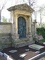 Ruhestätte Litschgi-Schwörer-Künzer Detail 2 - Hauptfriedhof Freiburg Breisgau.jpg