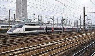 SNCF TGV Réseau - TGV-R set approaching Paris Gare du Nord
