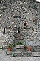 Saint-Genies-de-Varensal croix place.jpg