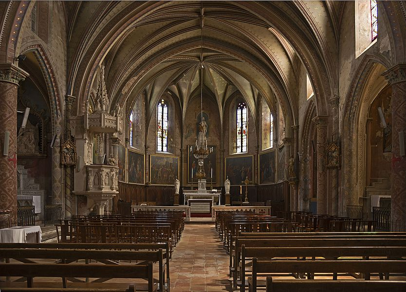 English:  Saint-Julia, Haute-Garonne, France. Church Sainte-Agathe et Saint-Julien interior