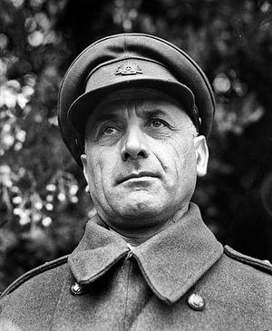 Sali Herman - Sali Herman as a captain in 1945