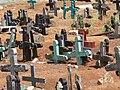San Juan Chamula - Friedhof 1 Kreuze.jpg