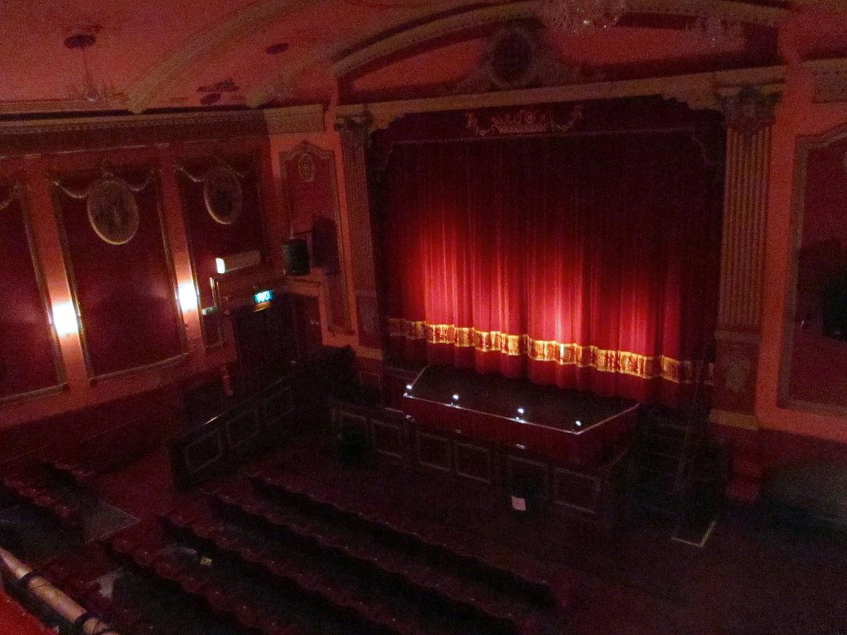 Файл:savoy theatre monmouth view from balcony.jpg - gpedia, .