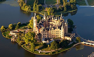 Schwerin Palace - The Schwerin Palace and its gardens