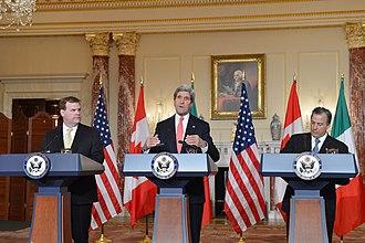 José Antonio Meade Kuribreña - Meade (right) with John Kerry and John Baird