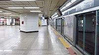 Seoul-metro-811-Cheonho-station-platform-20180914-133038.jpg