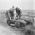 Serie Landmijnen ruimen in Hoek van Holland, Bestanddeelnr 900-6455.jpg