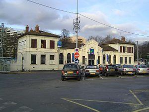 Gare de Sevran – Livry - Image: Sevran Livry Facade du batiment de la gare