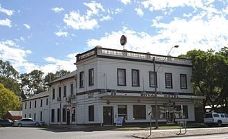 Moody's pub - The Royal Hotel in Seymour seen in 2009, the model for Drysdale's work