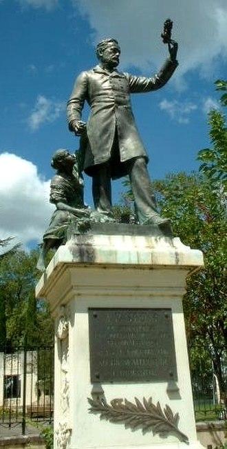 Alès - Statue of Pasteur