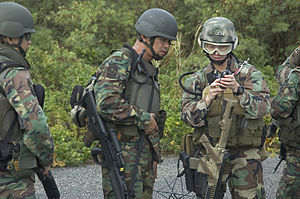 Naval Diving Unit (Singapore) - Operatives of the NDU with the SAR-21 rifles during training exercise with US Navy.