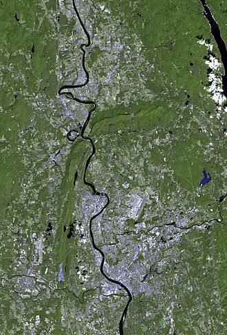 Pioneer Valley - The Pioneer Valley from space, with Springfield toward the bottom of the photo and Northampton-Amherst toward the top.