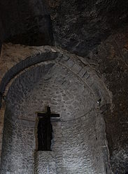 St. Helen statue in Grotto of the Cross, Holy Sepulchre 2010 2.jpg