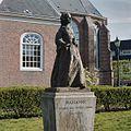 Standbeeld van prinses Marianne van linksvoor gezien - Voorburg - 20364884 - RCE.jpg