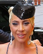 Star Is Born 04 (44027219335) (cropped).jpg