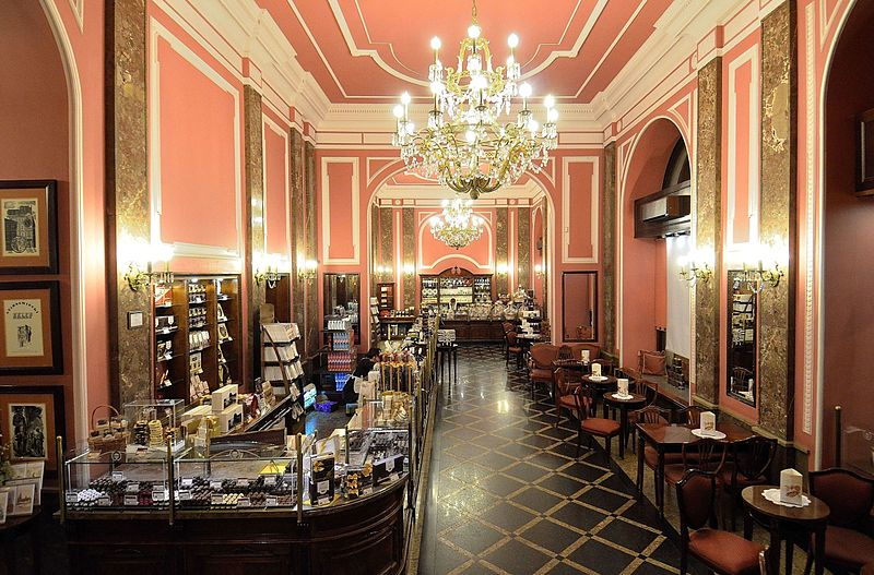 > L'intérieur de la chocolaterie Wedel à Varsovie.