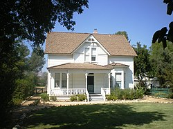 Stathearn House, Simi Valley.jpg
