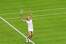Steffi Graf durante un match di esibizione al torneo di Wimbledon del 2009