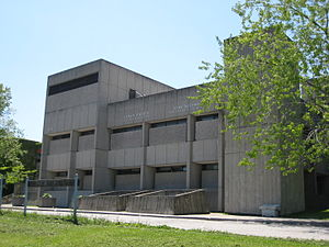 John Andrews (architect) - Stephen Leacock Collegiate Institute/John Buchan Senior Public School in Scarborough, Canada (1970)