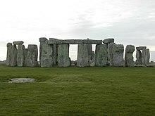Stonehenge-closeup.jpg