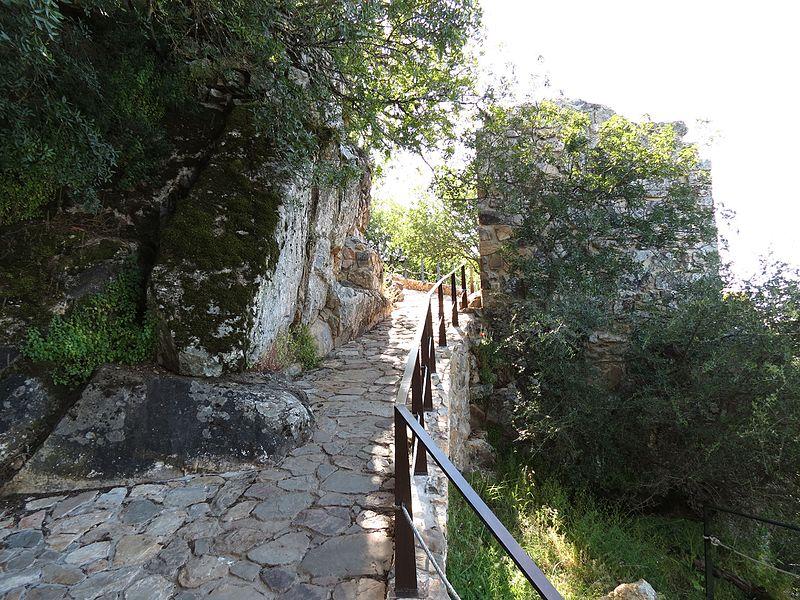 Subida al Castillo de Monfragüe humbria.jpg