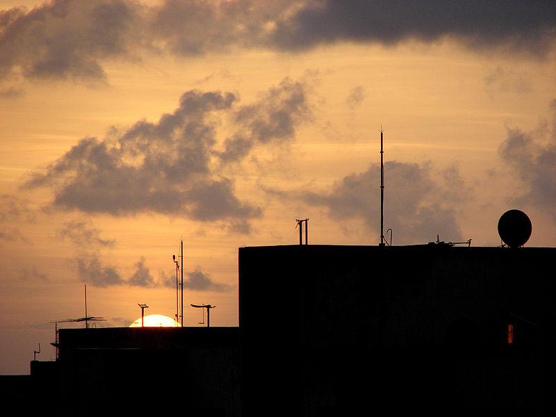 Ficheiro:Sunset-at-São Luis.jpg