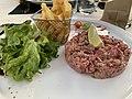 Tartare au Roxy Brasserie Lounge (Saint-Maurice-de-Beynost).jpg
