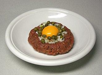 Raw foodism - Image: Tatar 1