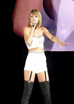 Taylor Swift 046 (17684895863).jpg