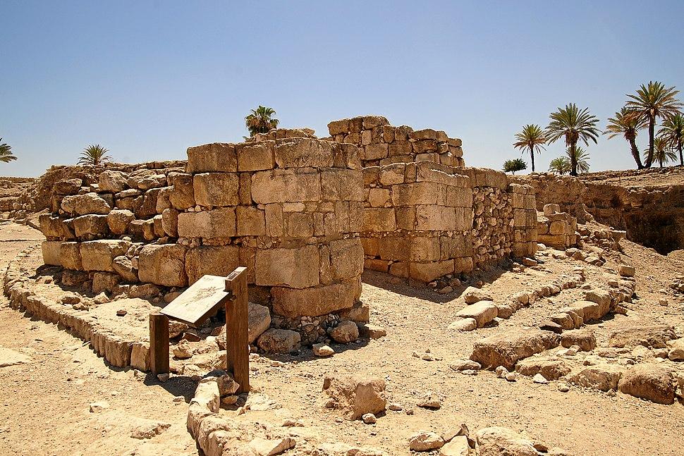 Tel-megiddo-salomonisches-stadttor
