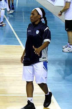 Temeka Johnson at 2012 (Dinamo Kursk).jpg