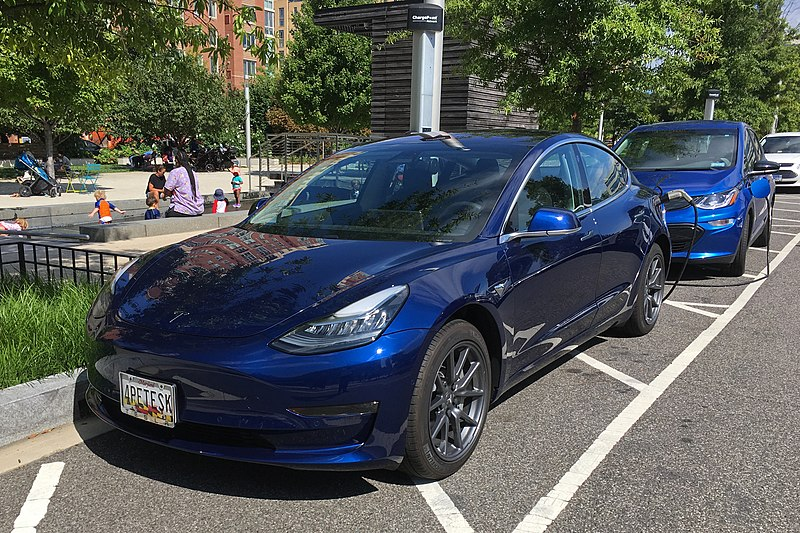 File:Tesla Model 3 & Chevy Bolt EV DCA 08 2018 0157.jpg