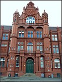 The Peel Building, Salford University (6993445527).jpg