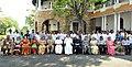 The Vice President, Shri M. Venkaiah Naidu with the officials and other employees of Raj Bhawan, in Thiruvananthapuram.jpg