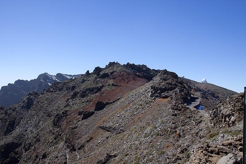 File:The top of the Caldera de Taburiente 2 (5492796202).jpg