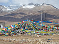 Tibet 06 - 017 - prayer flags (147421304).jpg