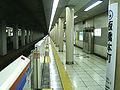 Toei-I19-Itabashi-honcho-station-platform.jpg