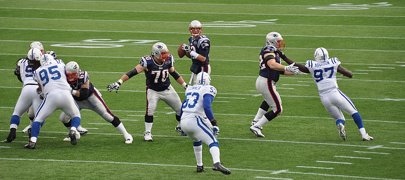 File:Tom Brady and his offensive line.jpg