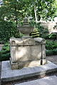 Tomb of Admiral Bligh and his wife in St Mary's Churchyard 1.jpg