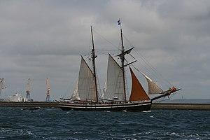 Tonnerres de Brest 2012 - 120716-053 Étoile de France.jpg