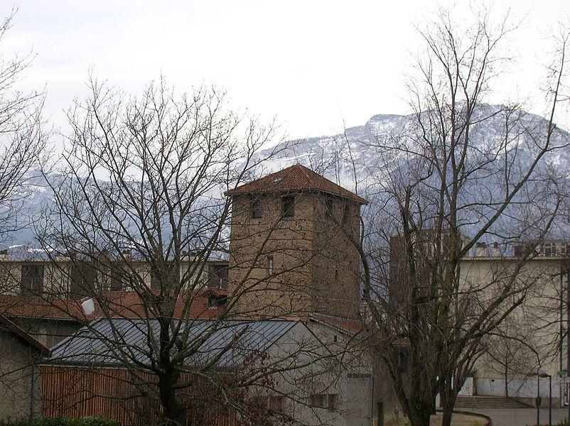 Tour Prémol, ferme de Vaulnavey, Village Olympique de Grenoble, Isère, Rhône-Alpes, France.