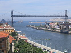 Transporter bridge of Biscay - 2004.JPG