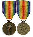 Tweemaal de Franse Overwinningsmedaille uit de Eerste Wereldoorlog.jpg