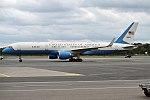 U.S. Air Force, 99-0004, Boeing VC-32A (37059099822).jpg