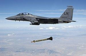 http://upload.wikimedia.org/wikipedia/commons/thumb/2/2e/USAF_F-15E_releases_GBU-28.jpg/300px-USAF_F-15E_releases_GBU-28.jpg