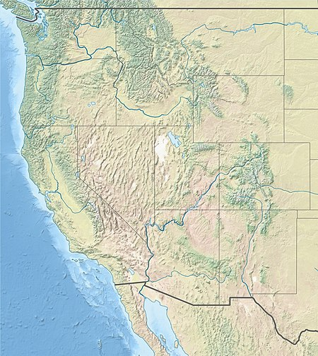 Volcanism on western USA, نقطة يلوستون الساخنة volcanic fields are not labeled